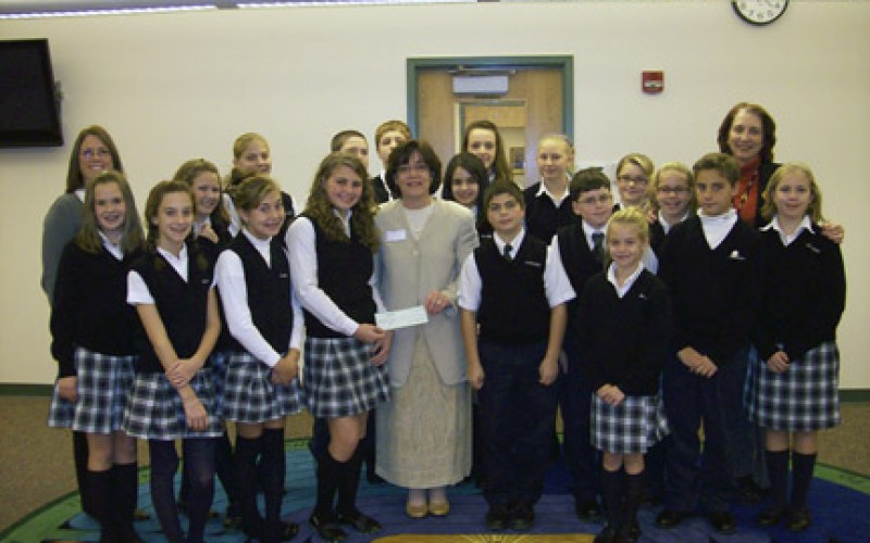 Students donate to Gilda's Club