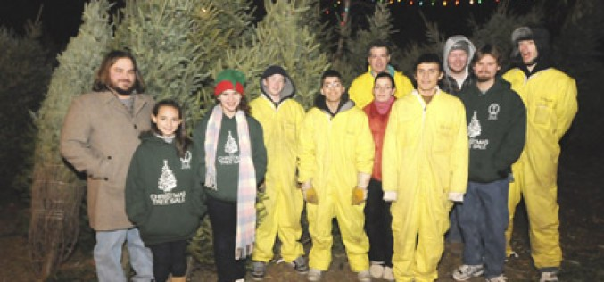 Youth ministry group sells Christmas trees