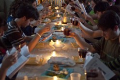 Students participate in Seder at Rowan's Newman House