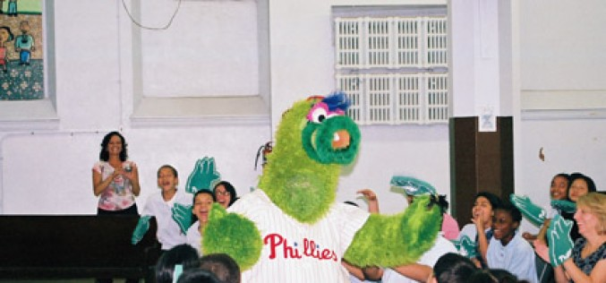 Phillie Phanatic emphatic about student reading