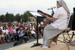 Hermana Glenda brings her joyful music to South Jersey