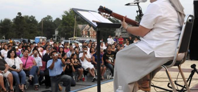 Hermana Glenda brings her joyful music to South Jersey