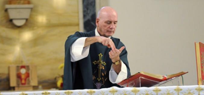 Deaf Community moves to Holy Saviour Church