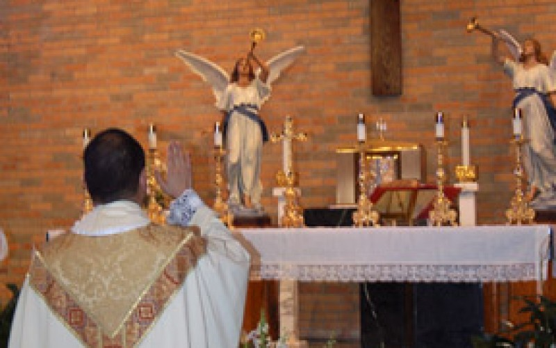 Crucifix blessed in Minotola