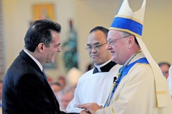 El Obispo Dennis Sullivan dice 'Aleluya'