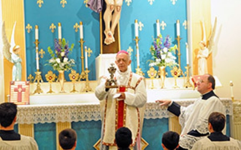 Pontifical Low Mass