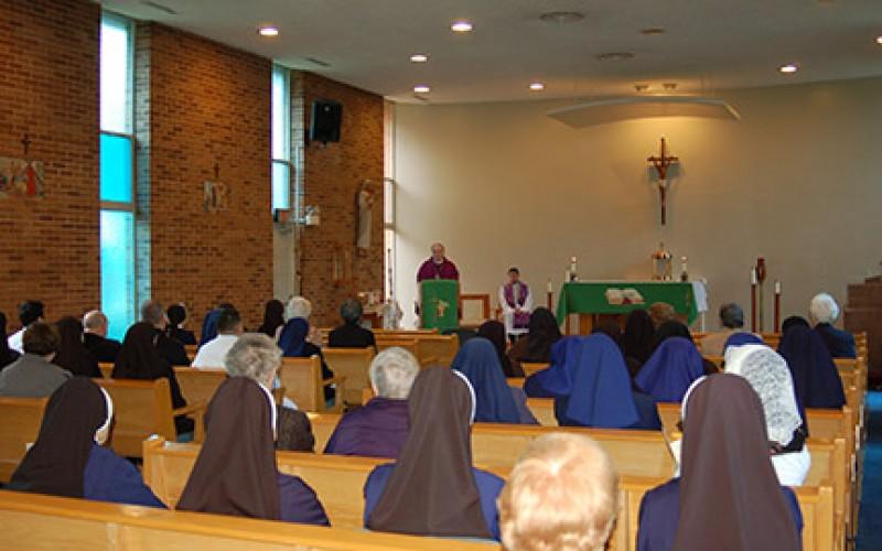Bishop celebrates Mass commemorating religious