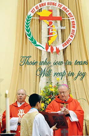 bishopvietnamesemass-web