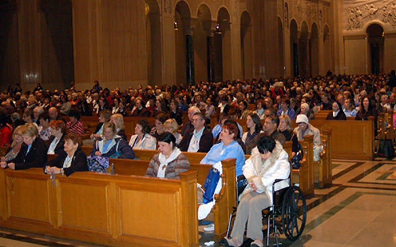 Pilgrims travel to Washington to honor Mary