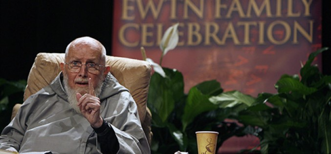 Father Groeschel, author and preacher, dies
