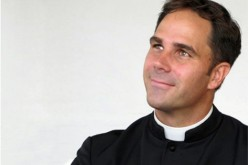 Priest to share his conversion story at local parishes