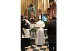 Pope blesses statue by local sculptor