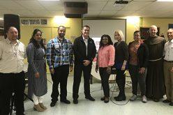 Residentes de Camden comparten retos y esperanzas en un día de reflexión
