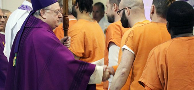 Bringing Mass and mercy to those behind bars