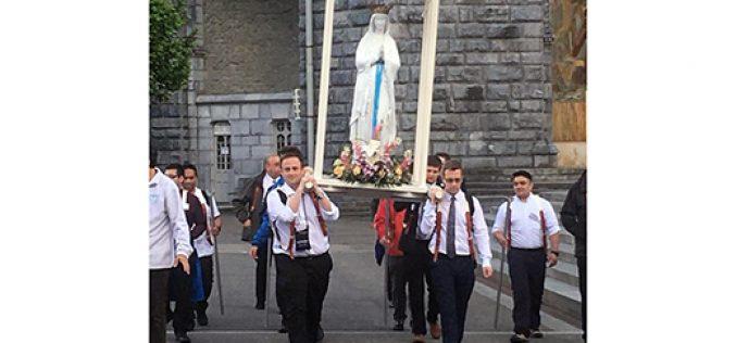 Nuestros seminaristas en Lourdes, Francia